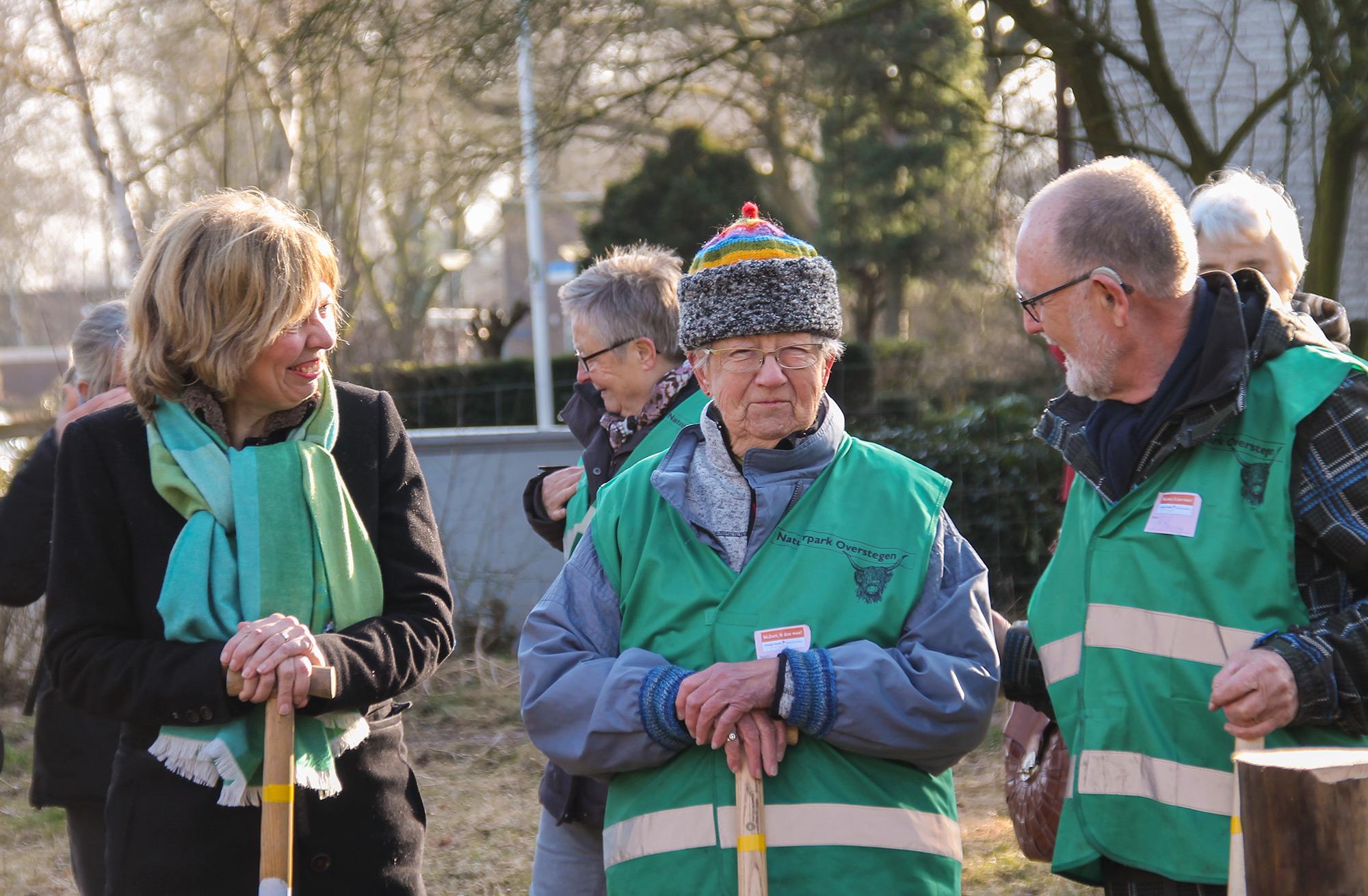 Wethouder Ingrid Lambregts bij De Groene Knoop - Buur maakt Natuur